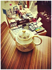 Teapot and make-up