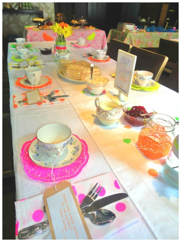 Tea party with neon colour scheme