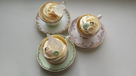 Tea cups and cupcakes